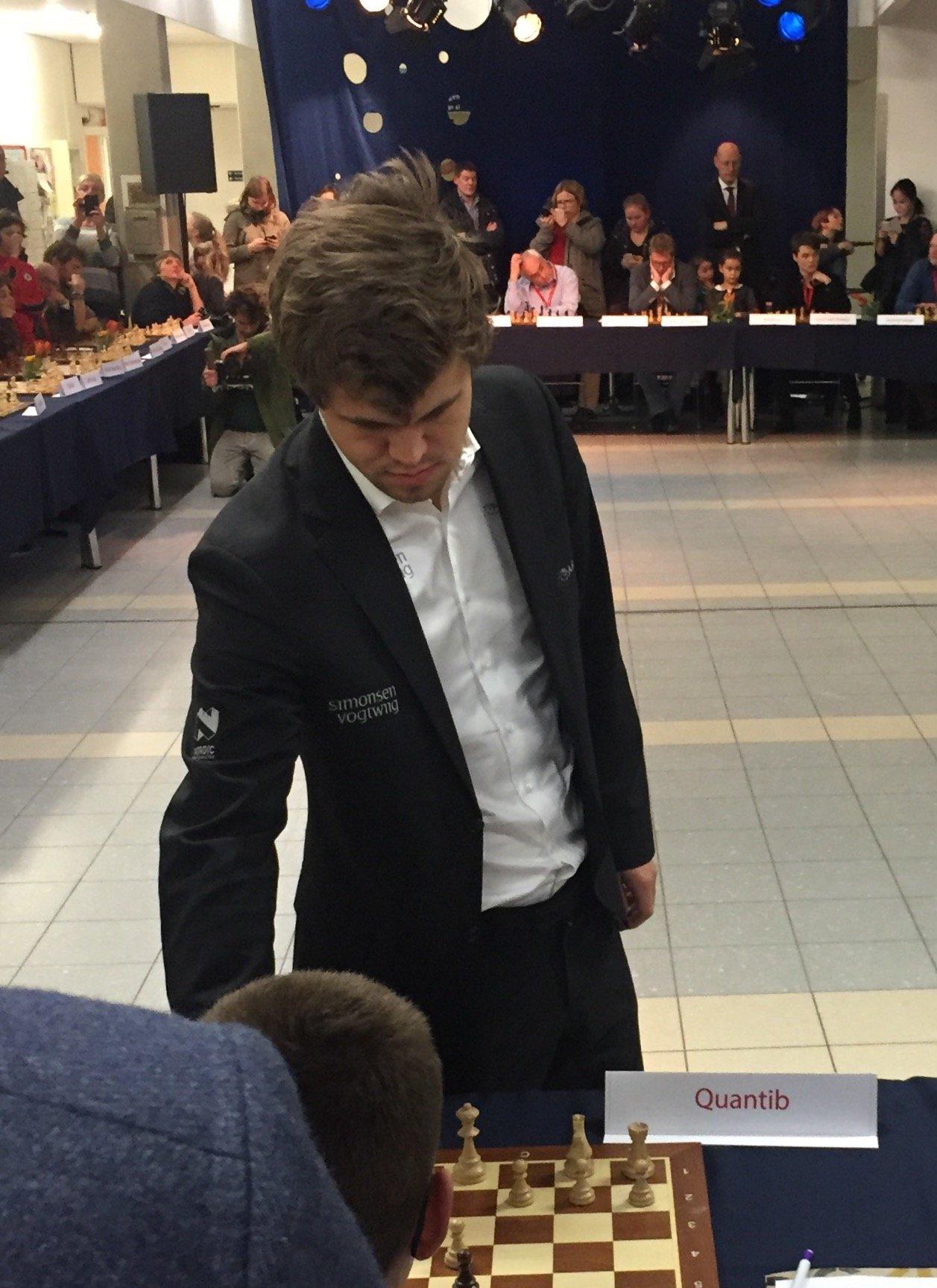 MagnusCalsen Erasmus MC Simultaneous Chess